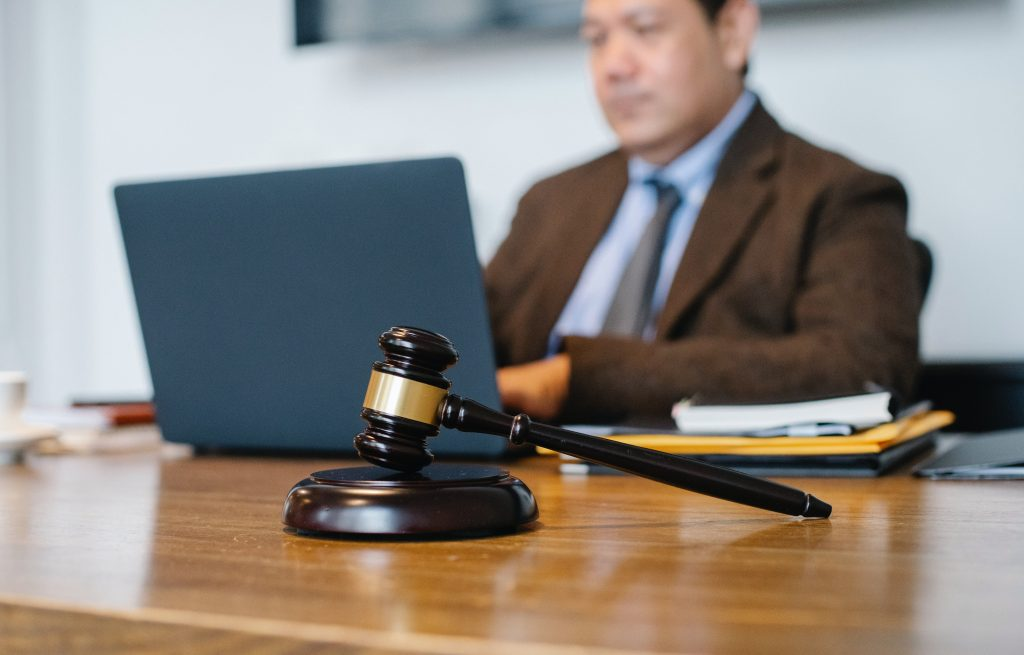 Lawyer for Real Estate: when should a home buyer hire